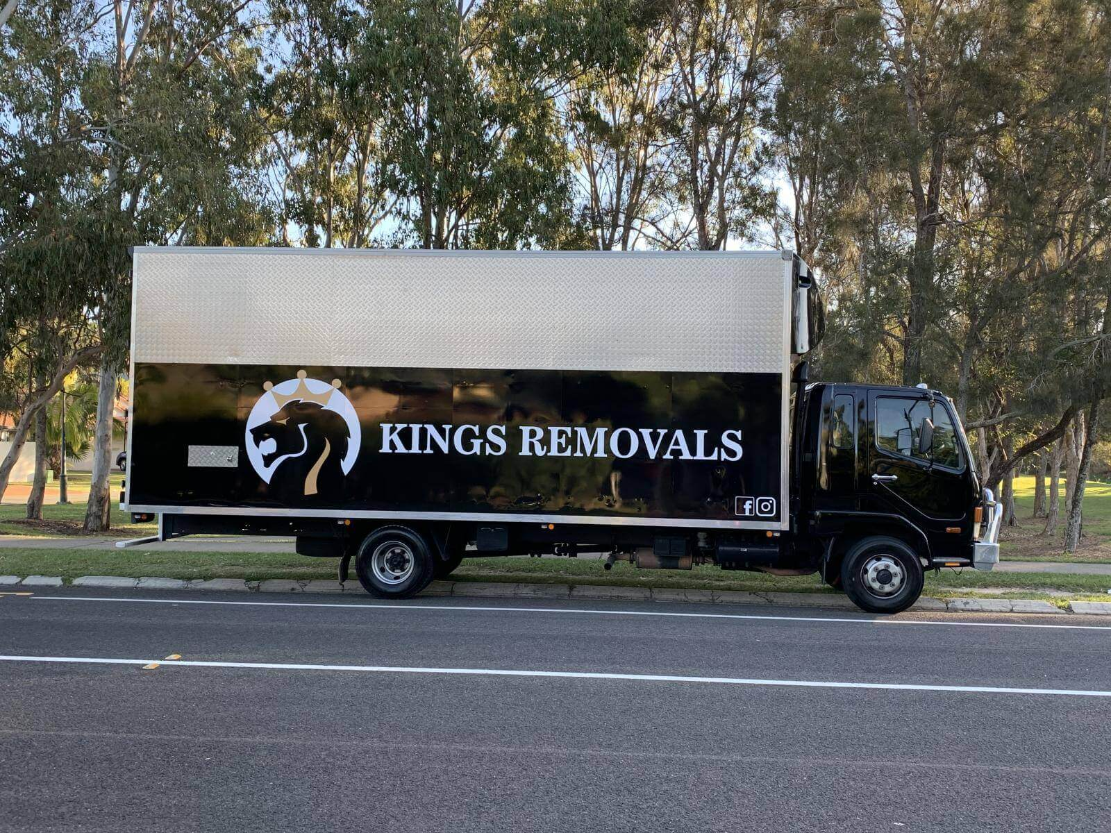 Kings removals Sunshine coast – New Signage on Removal Truck